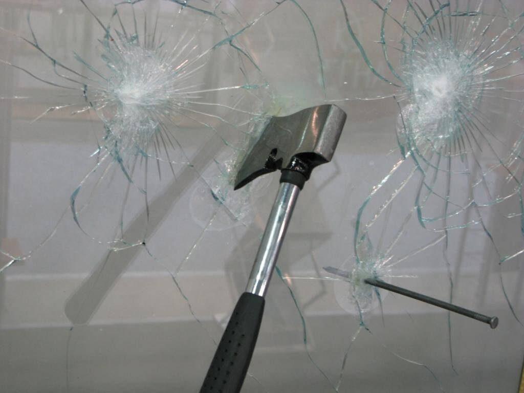 Взломостойкое стекло